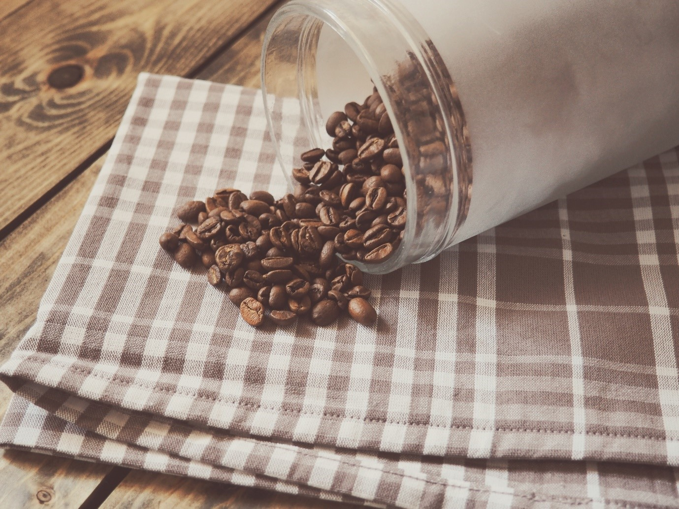 How to take good photos – coffee beans on top of handkerchief